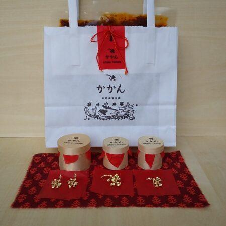 本格麻婆豆腐のお店 かかん × mitome tsukasa「麻婆ソースと山椒アクセサリーのセット」